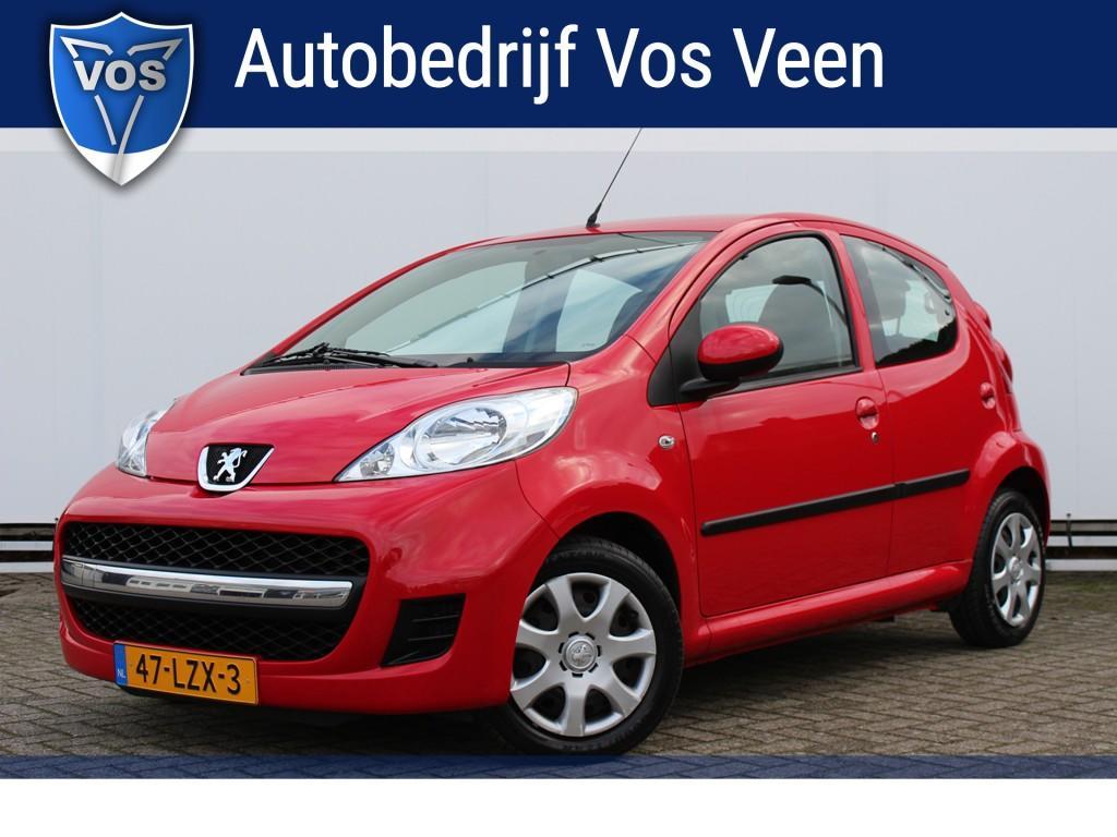 Peugeot 107 1.0-12v urban move