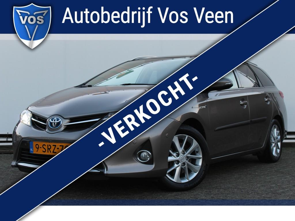 Toyota Auris Touring sports 1.8 hybrid lease+ xenon