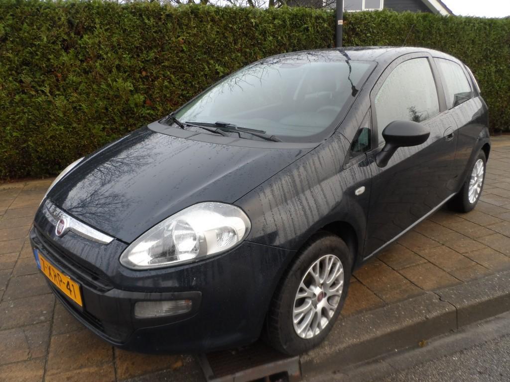 Fiat Punto evo 1.3 multijet 16v 70 active - 153479 km - usb - airco - ble