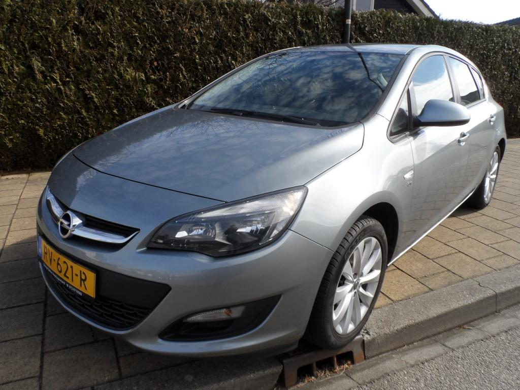 Opel Astra 1.4 100pk s/s cosmo - 129390 km - airco - aux - cruise - pdc