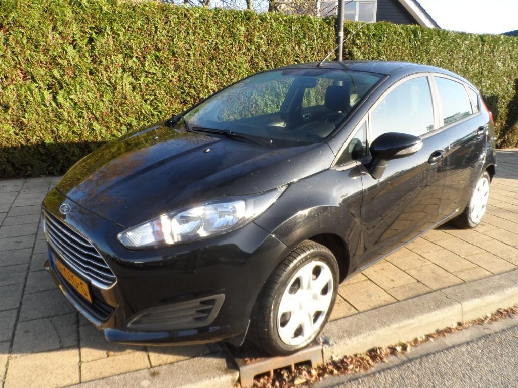 Ford Fiesta 1.0 65pk style essential - 135898 km - navi - airco - aux