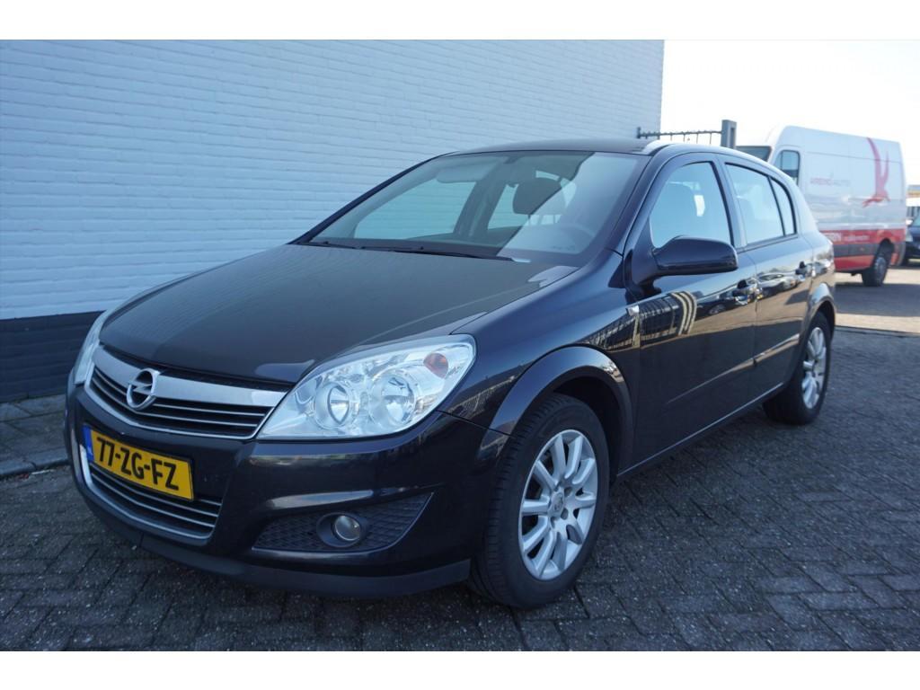 Opel Astra 1.6 115 pk temptation  // trekhaak // airco //