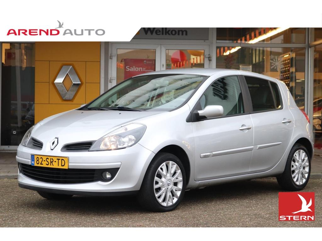 Renault Clio 1.6 16v 110 pk initiale // automaat //