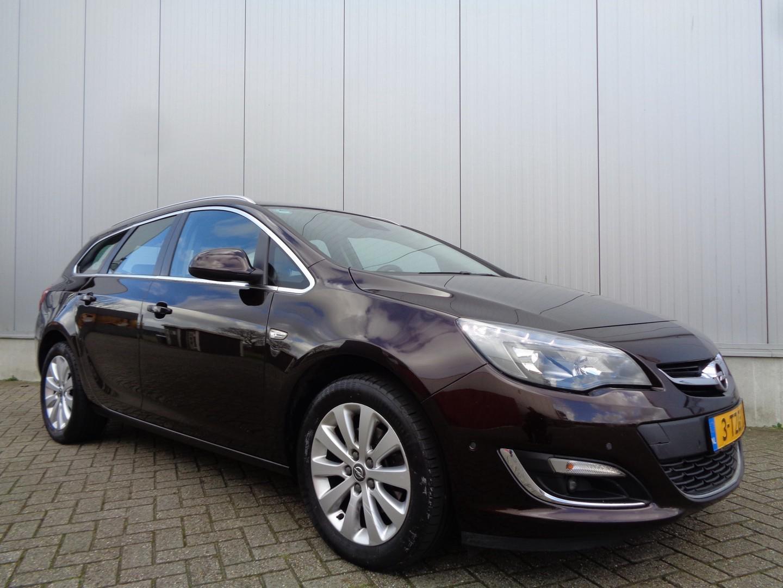 Opel Astra Sports tourer 1.6 cdti cosmo 110pk clima navi cruise