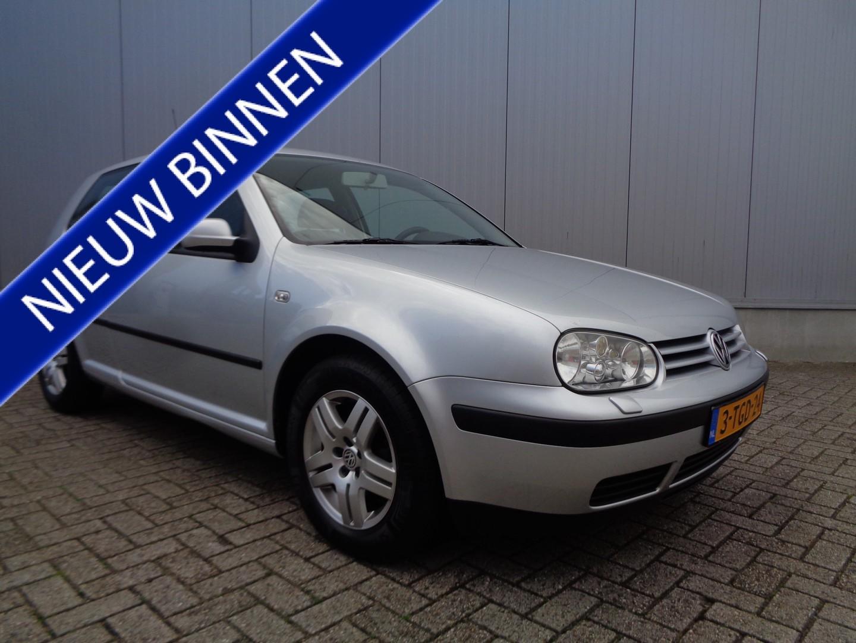 Volkswagen Golf 1.4-16v master edition clima lmv