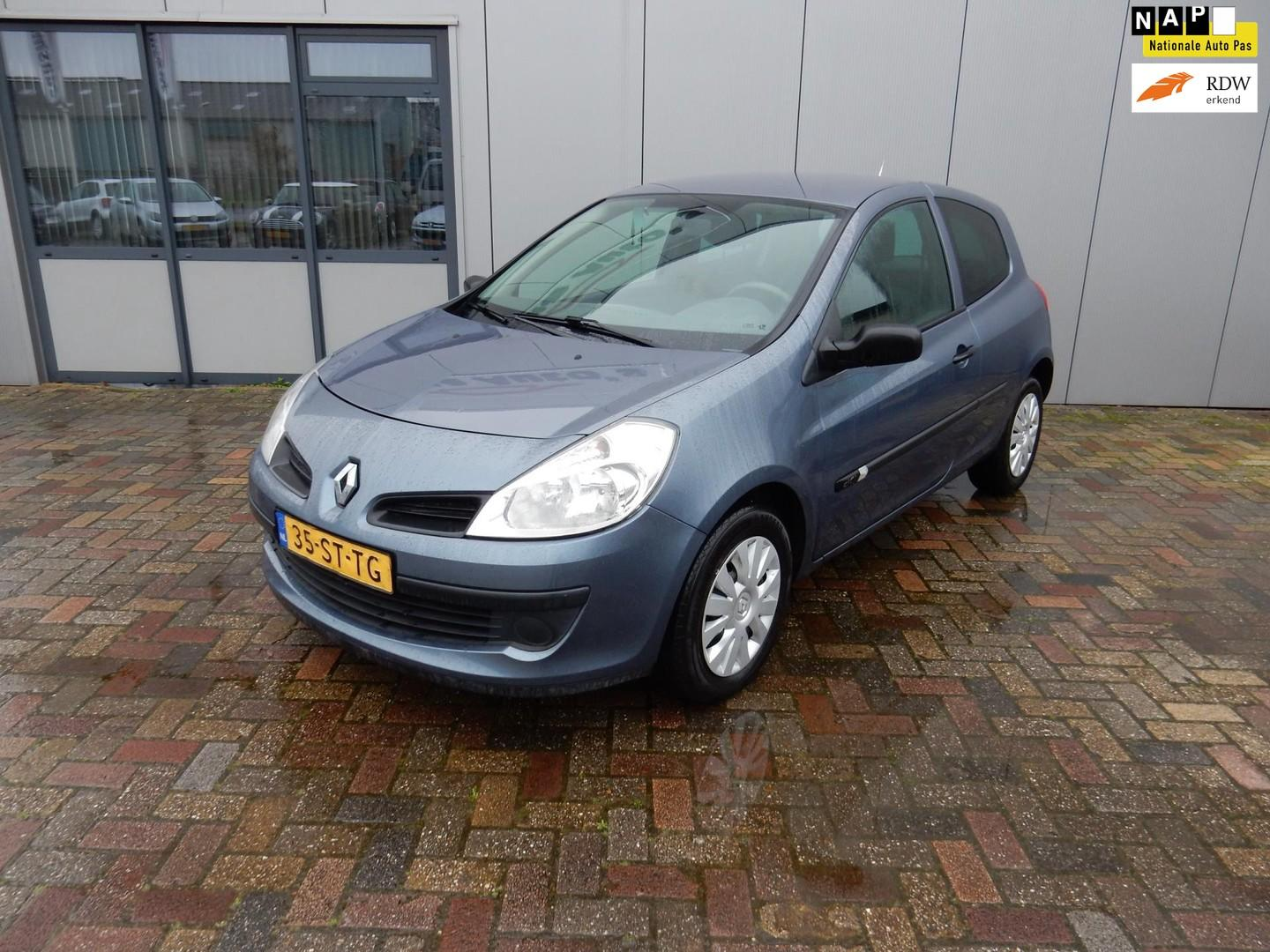 Renault Clio 1.5 dci authentique export!!
