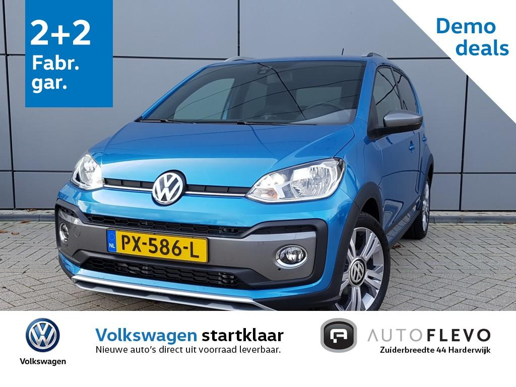Volkswagen Up! 1.0 tsi 90pk cross up! / climatronic / cruise control / camera / maps + more / pdc