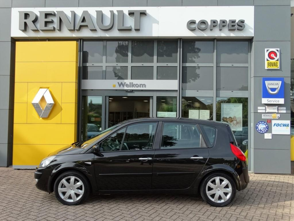 Renault Scénic 2.0 16v 135 tech line