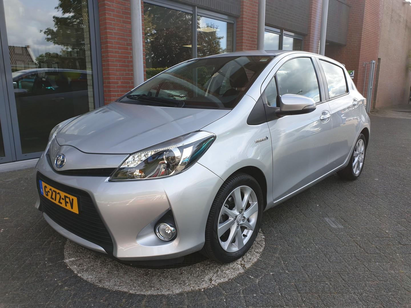 Toyota Yaris 1.5 full hybrid dynamic , camera,pdc achter