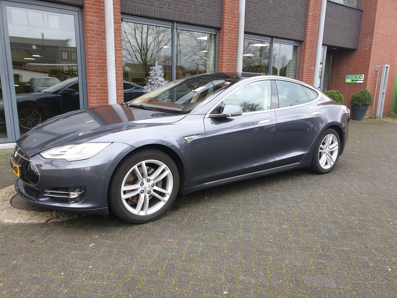 Tesla Model s 85 base 33000 exl btw