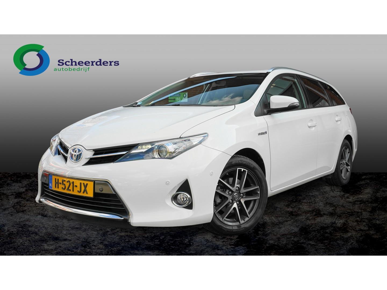 Toyota Auris Touring sports 1.8 hybrid dynamic , navi, camera, parkeerhulp voor en achter