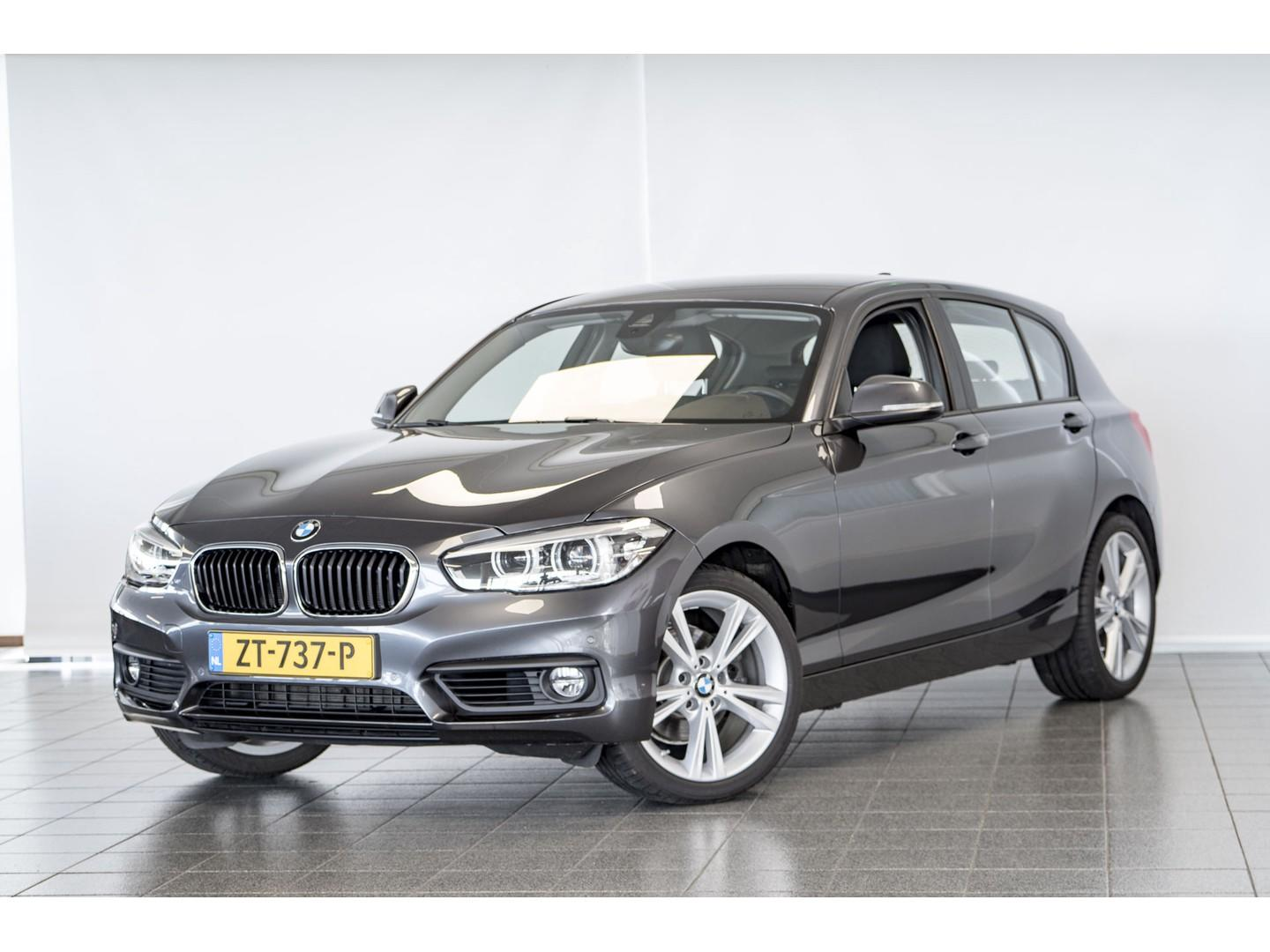 "Bmw 1 serie 120i executive 18""lm / pdc v-a"