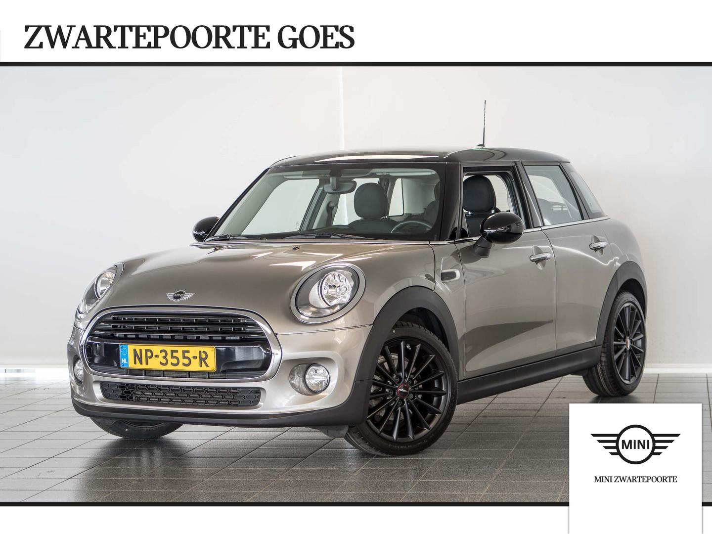 Mini 5 drs 1.5 cooper business l navigatie l airco