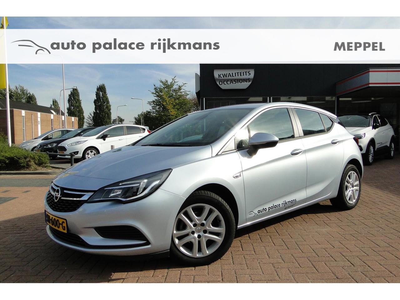 Opel Astra 1.0 turbo 105pk business+ navi 900 / chroom