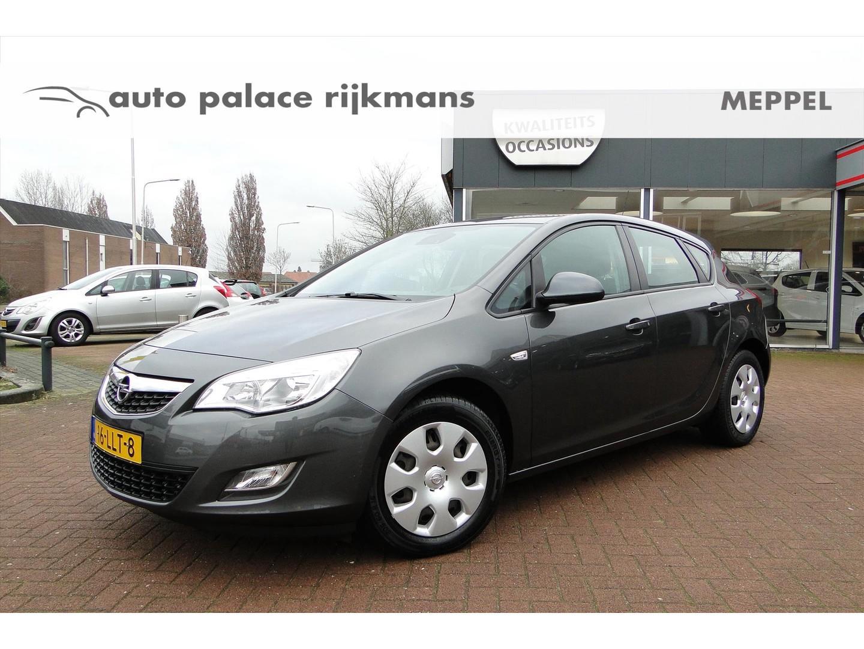 Opel Astra 1.4 turbo 140pk edition airco/trekhaak