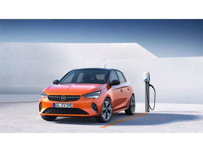 Opel Corsa 100% electrisch - 6 jaar gratis onderhoud en apk - navi updates