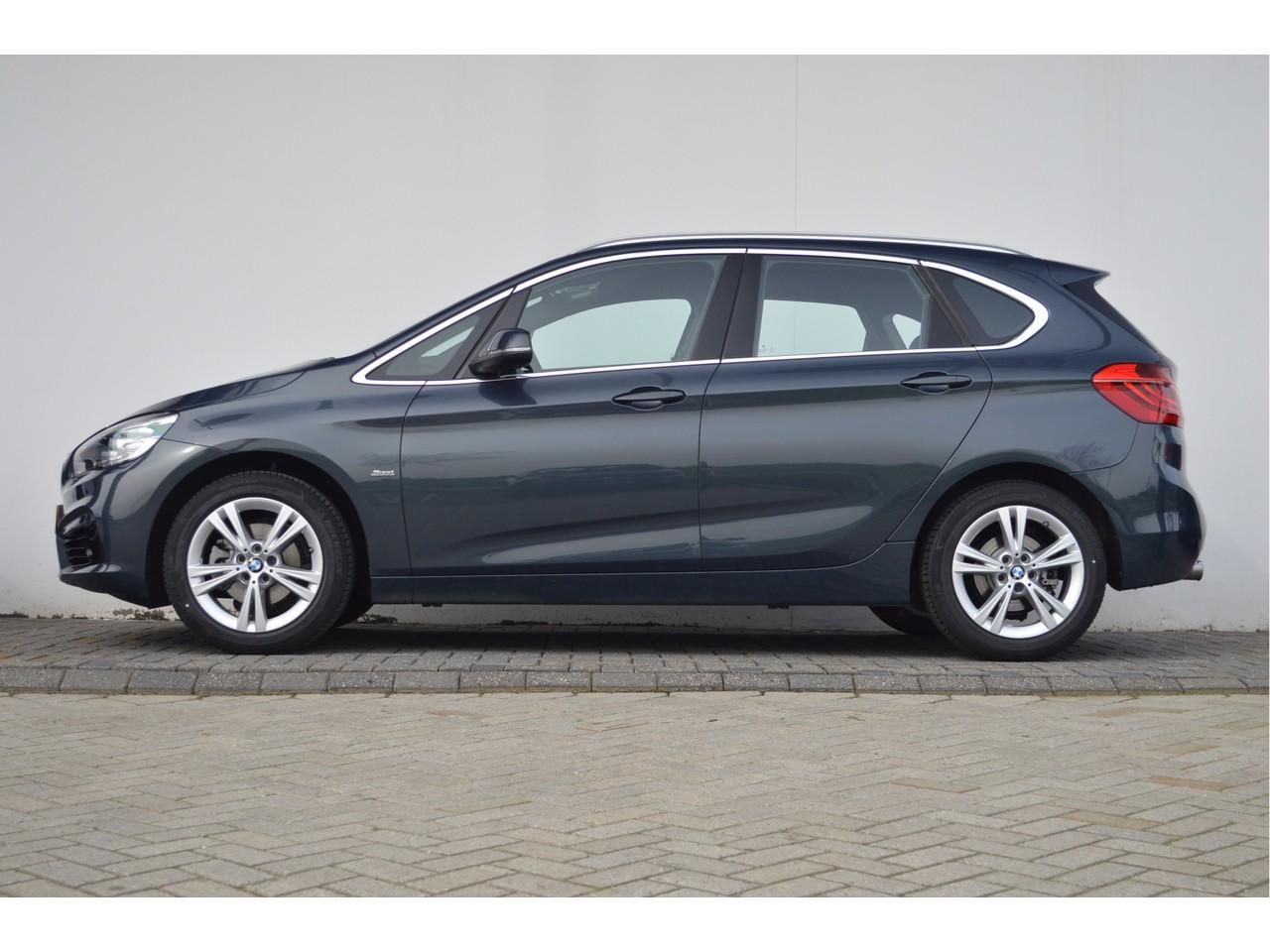 Bmw 2 serie active tourer 218d executive sport line