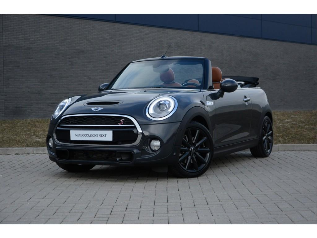 Mini Cabrio 2.0 cooper s chili serious business - wired aut.