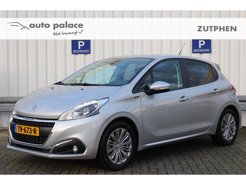 Peugeot 208 1.2 110pk signature navi airco