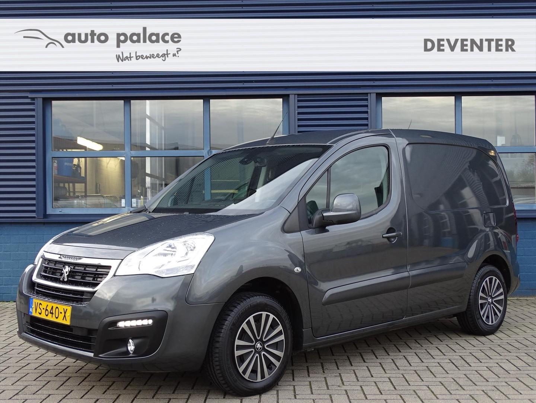 Peugeot Partner 1.6 d 100pk, trekhaak, 3zitsbank, navigatie, parkeersensoren