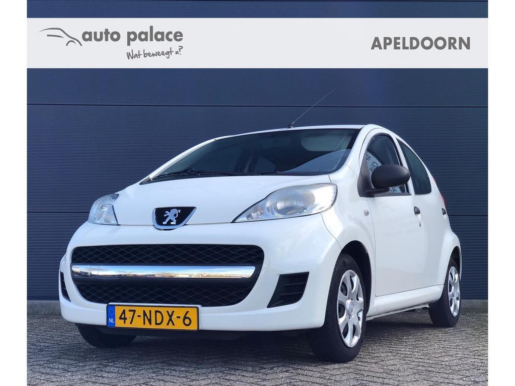 Peugeot 107 1.0 68pk 5 deurs! lage km stand!