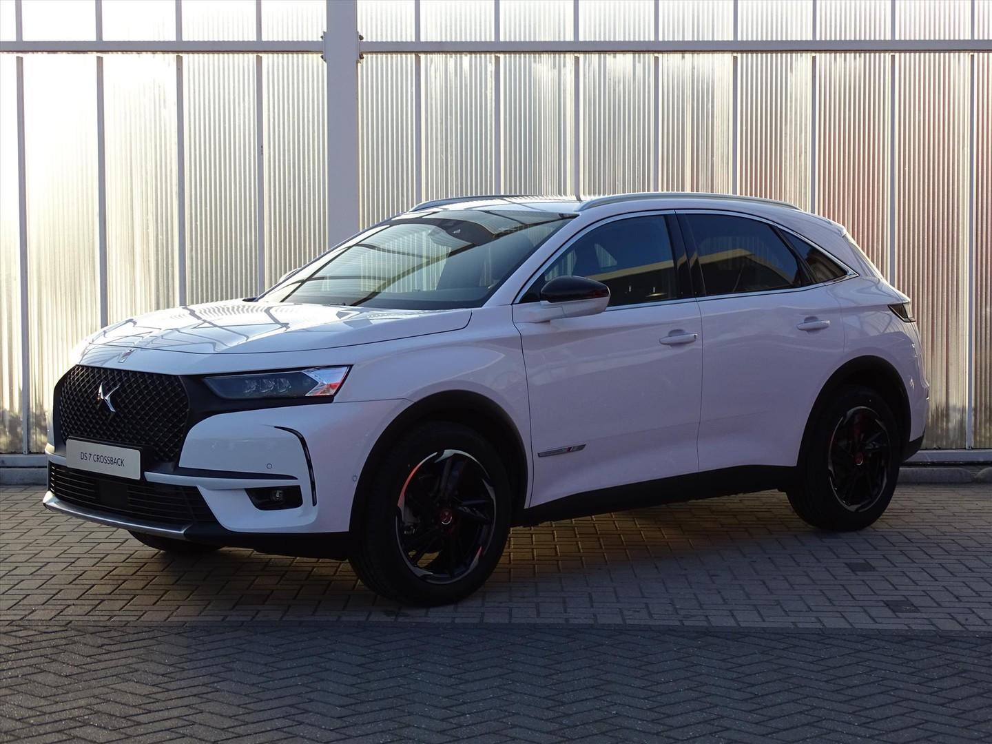 Ds Ds 7 crossback 1.2 130pk performance/pano/focal/19inch/full led
