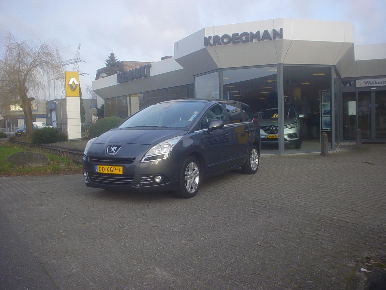 "Peugeot 5008 1.6 thp 17"" première"