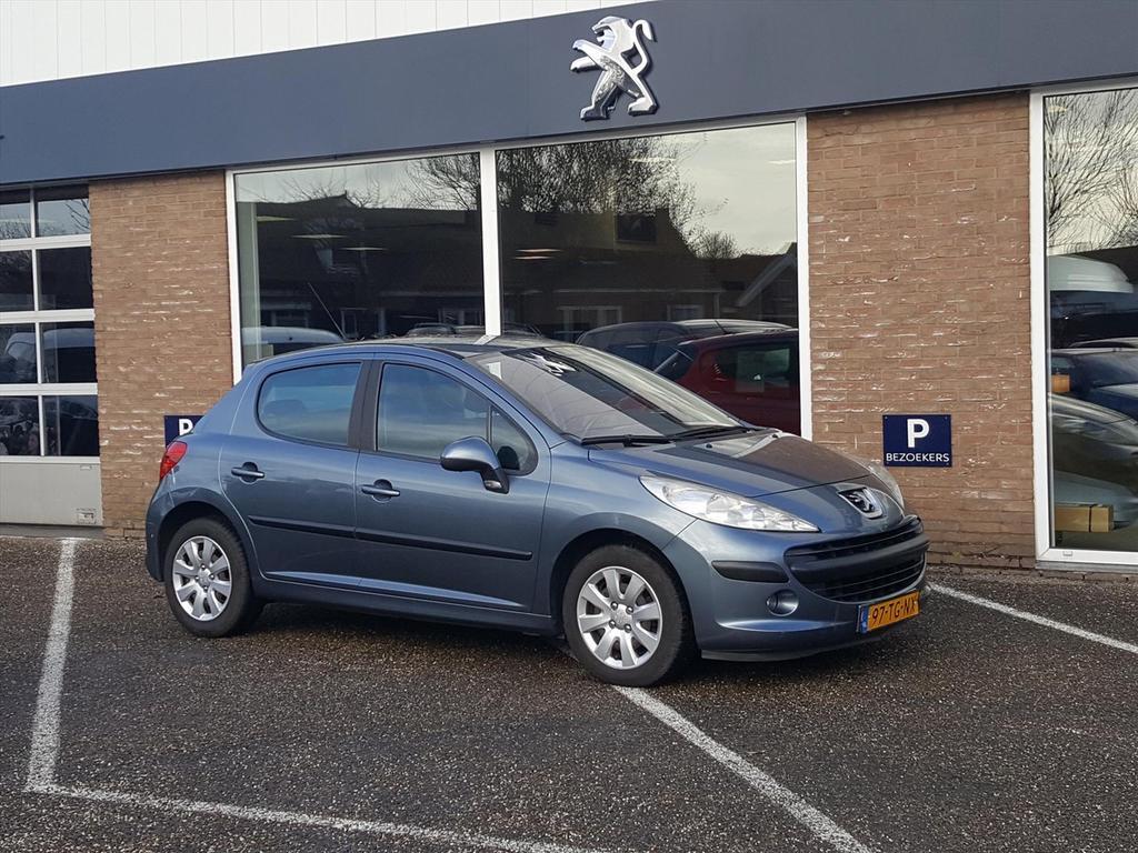 Peugeot 207 1.4 5drs xt cr.control/trekhaak/cl.control