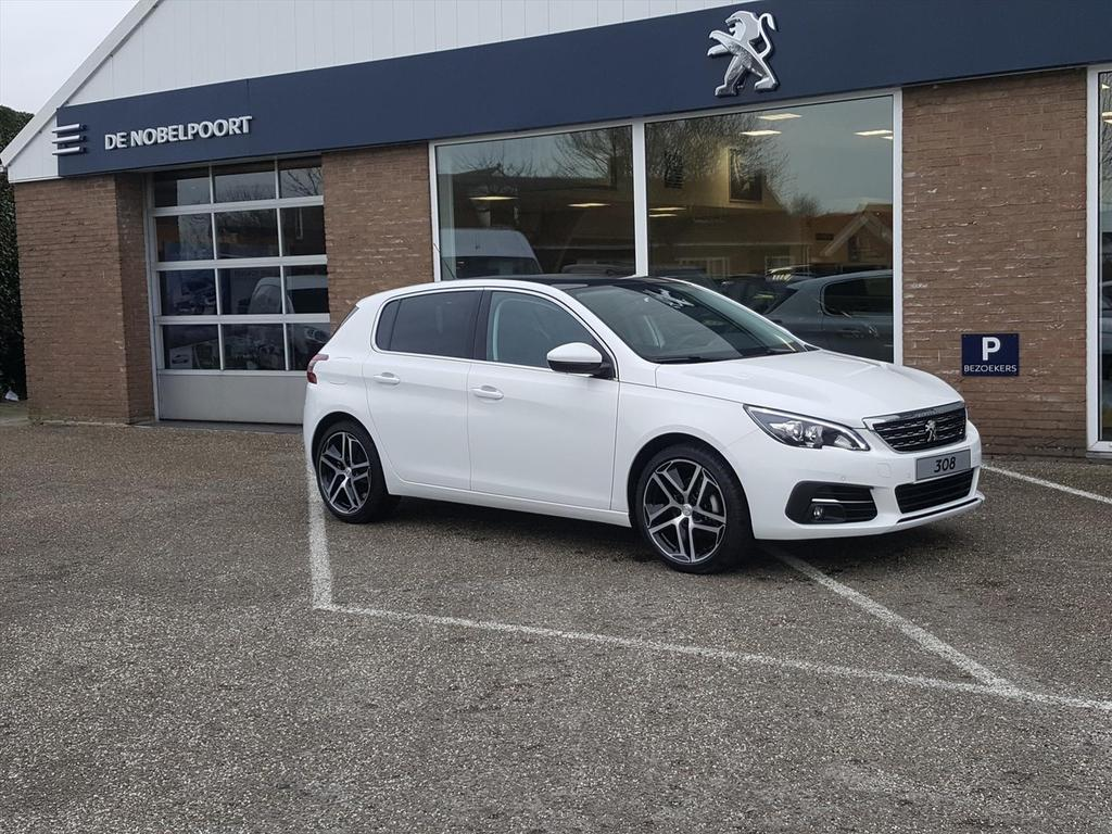 Peugeot 308 1.2 puretech 130pk allure automaat navi/panoramadak/bluetooth