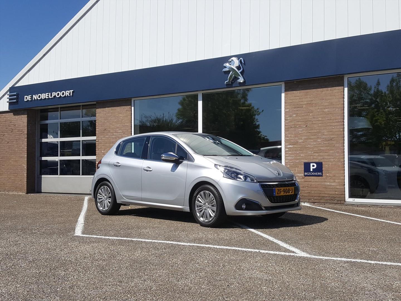 Peugeot 208 Allure 1.2 pt- 82pk navigatie, climate control,camera,lmvelg16