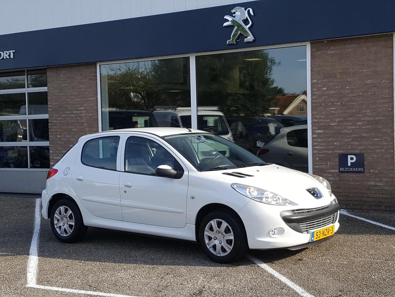 Peugeot 206+ 1.4 5d airco trekhaak parkeersensoren radiocd