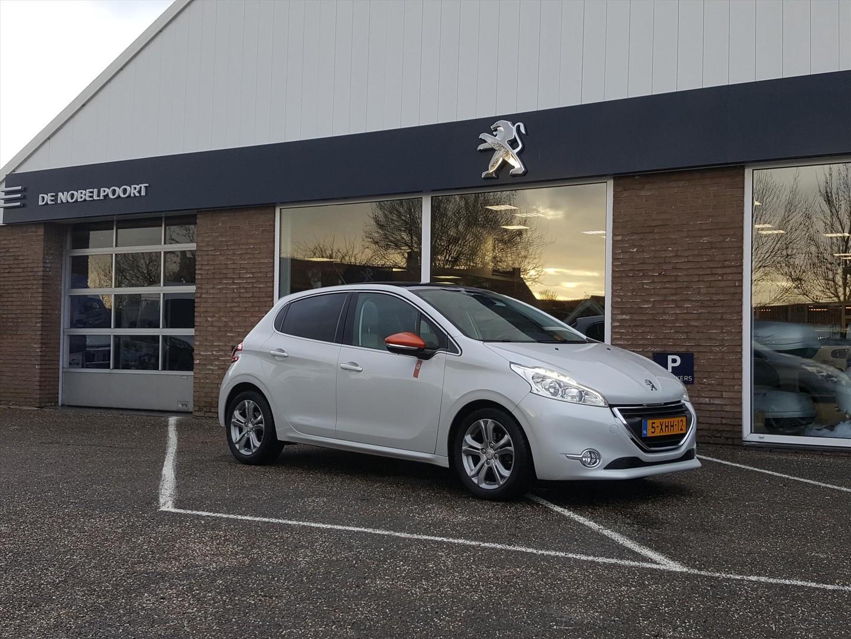 Peugeot 208 Roland garros 1.6vti-120pk speciaal lederen interieur,cruise&climate control navi/bluetooth,pano-dak lm-velgen