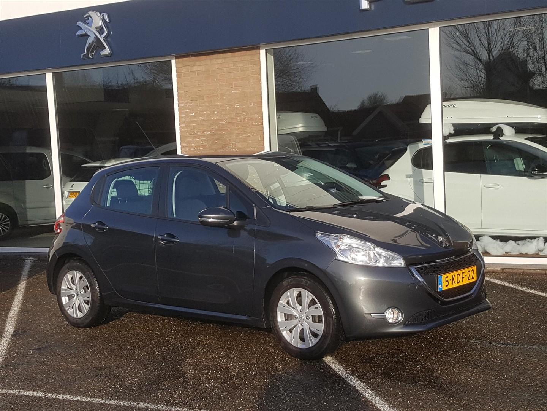 Peugeot 208 1.2 vti 82pk 5d envy navi parkeerhulp cruise- en climate control bluetooth usb