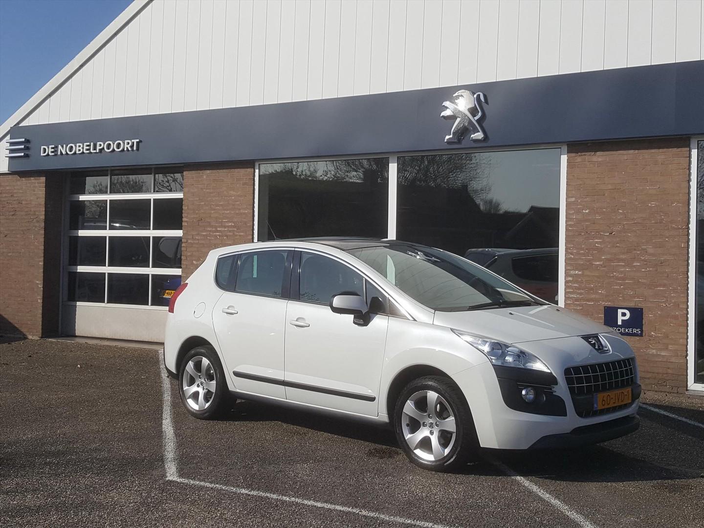 Peugeot 3008 1.6 16v vti première cruise- en climate control trekhaak panodak parkeersensoren lm-velgen