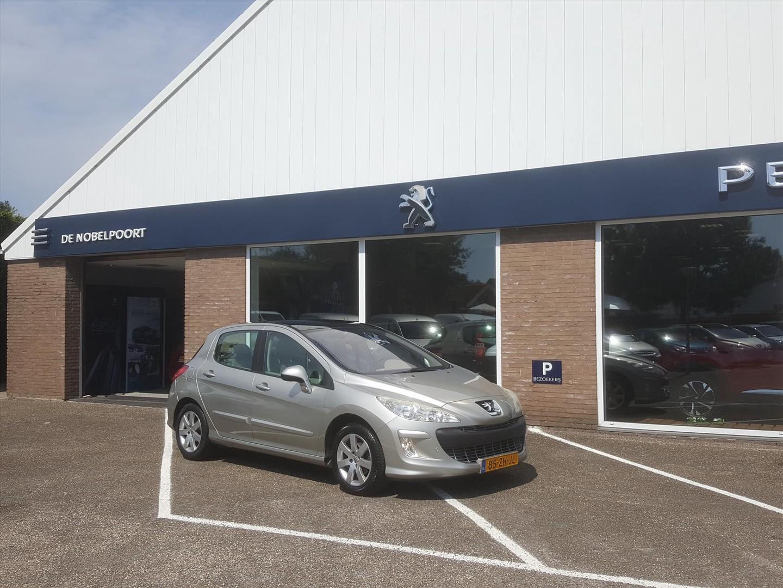 Peugeot 308 1.6 16v xt 140pk 5d automaat cruise- en climate control afneembare trekhaak parkeersensoren voor & achter pano-dak lm-velgen