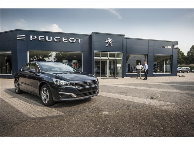 Peugeot 3008 Allure 165 pk automaat xenon/pano dak 1 eig. zeer compleet !