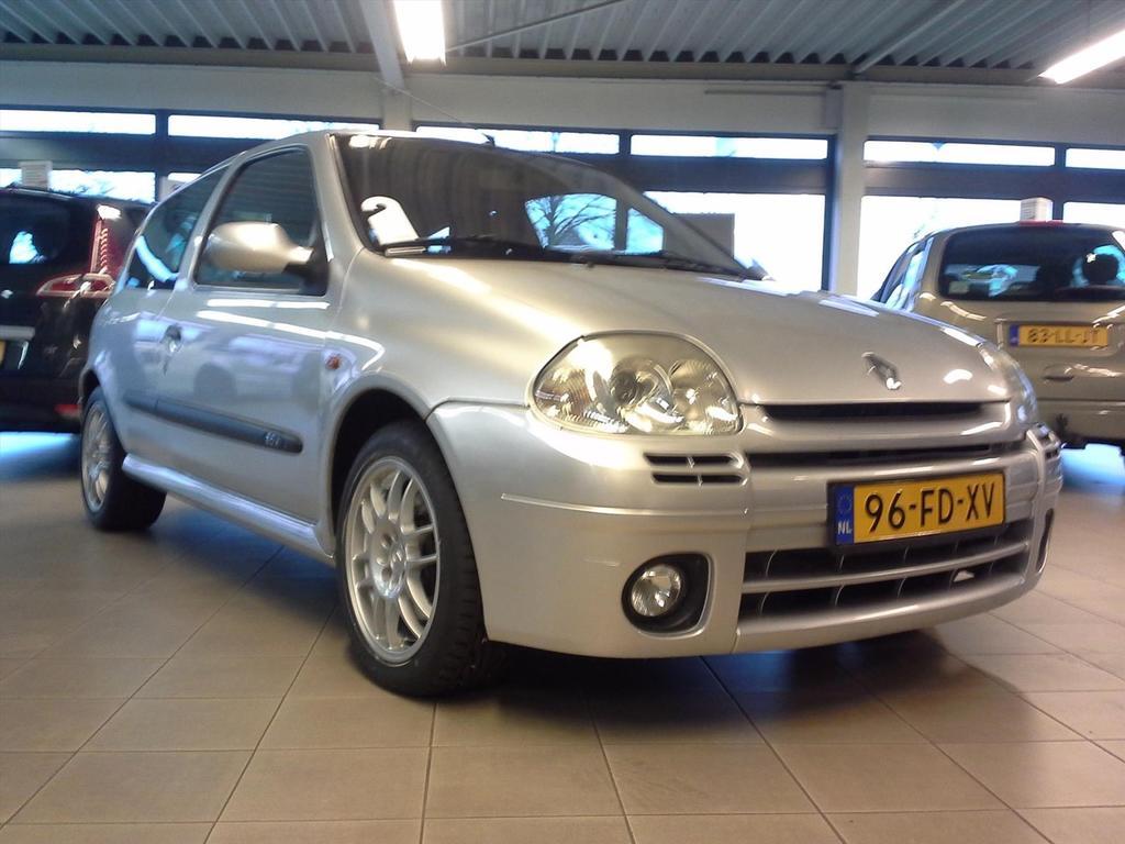 Renault Clio 2.0 16v rs