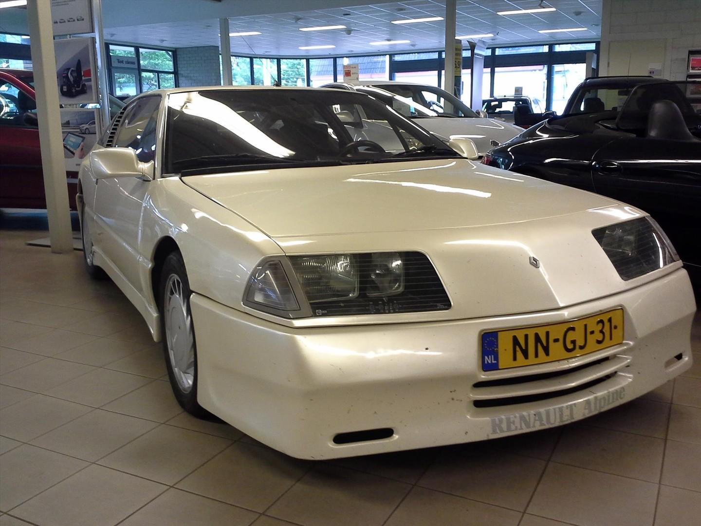 Alpine renault V6 2.5 gt turbo