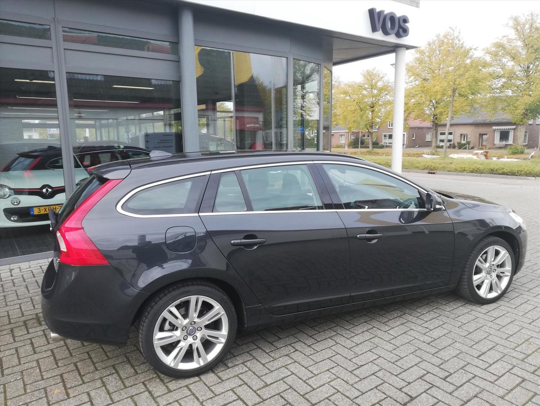 Volvo V60 T3 start/stop 150pk momentum