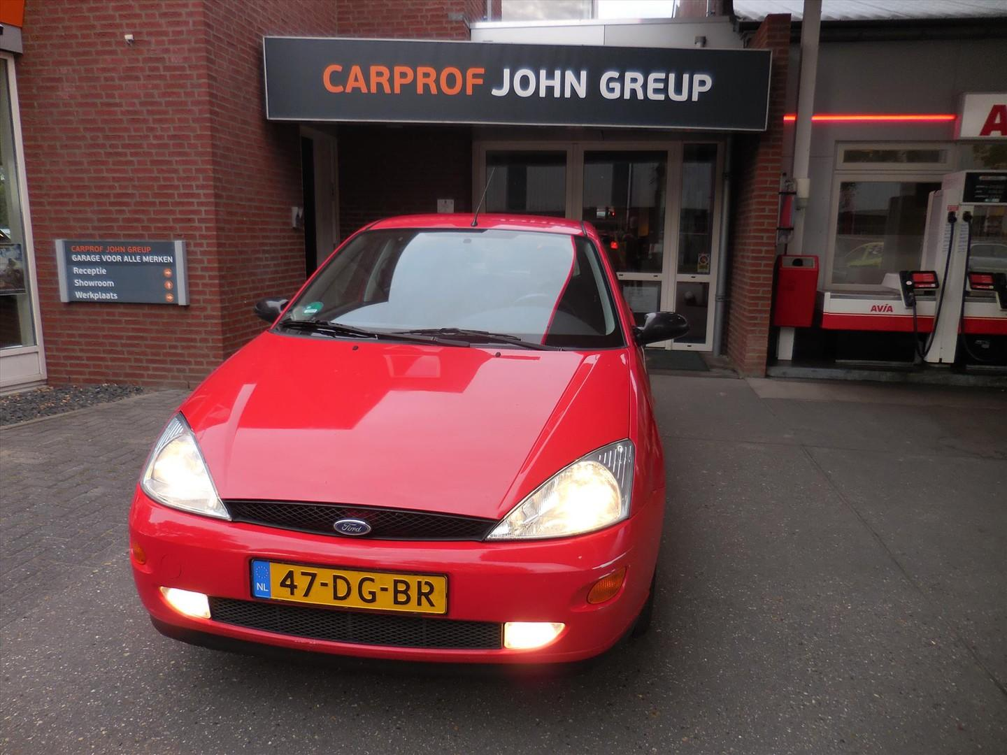 Ford Focus 1.4 i trend 5d trend