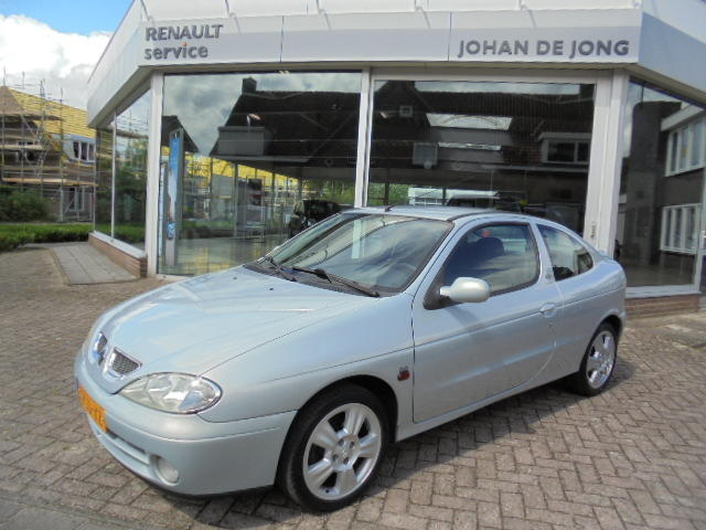 Renault Mégane 2.0 16v dyna coupe 2005 s