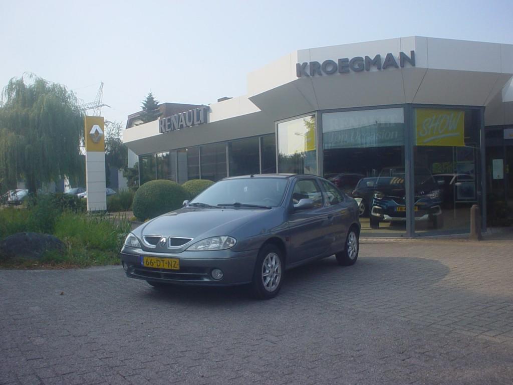 Renault Mégane 1.4 16v coupe base