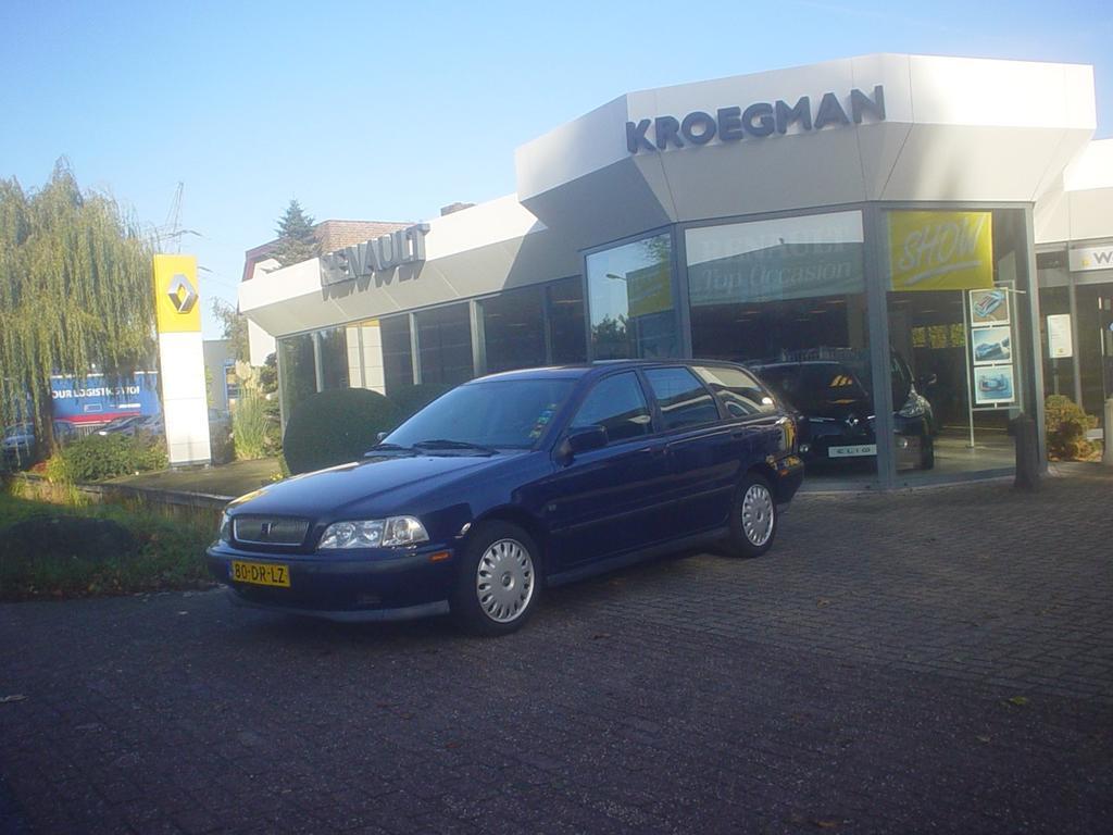 Volvo V40 2.0 i 16v luxery