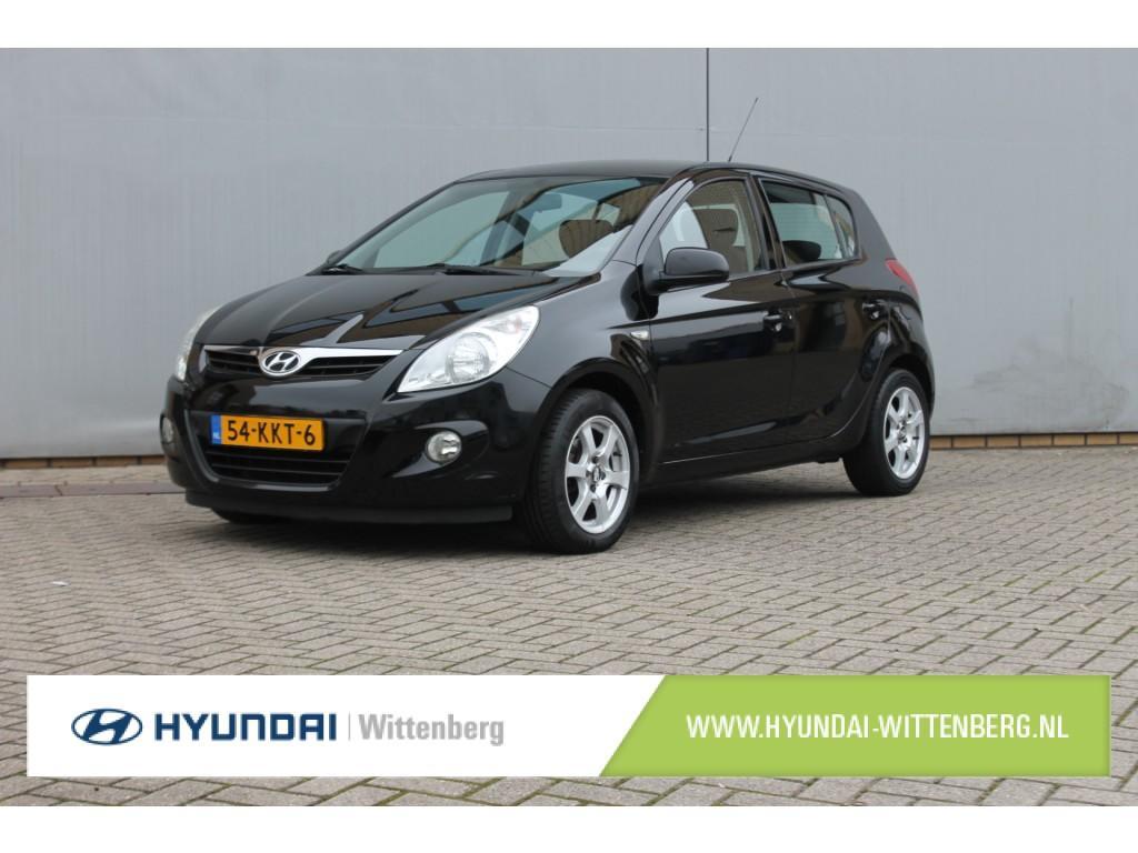 Hyundai I20 1.4i dynamicversion 100pk
