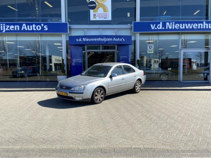 Ford Mondeo 2.0-16v futura climate control, electrische voorstoelen, nav, trekhaak info pepijn 0492-588980 of pepijn@vdnieuwenhuijzen.nl