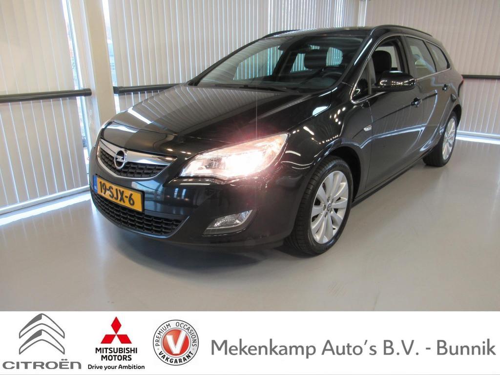 "Opel Astra Sports tourer 1.4 turbo edition 17""/navigatie/climate/cruise/regen-lichtsensor/bluetooth"