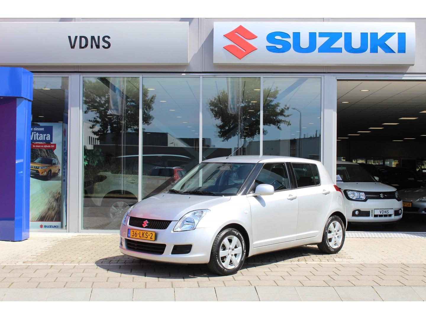 Suzuki Swift 1.3 cool €5.950 airco, navi, lmv, bluetooth  info 0614332410 \ 0492588976