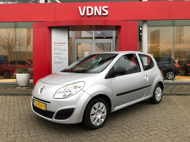 Renault Twingo 1.2 authentique airco lease vanaf € 39,-pm info marlon 0492-588958