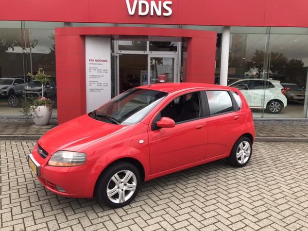 Chevrolet Kalos 1.4-16v style online geopend 7 dagen pw van 09:00 tot 21:00 info roel@vdns-kia.nl 0492-588951 € 3.950