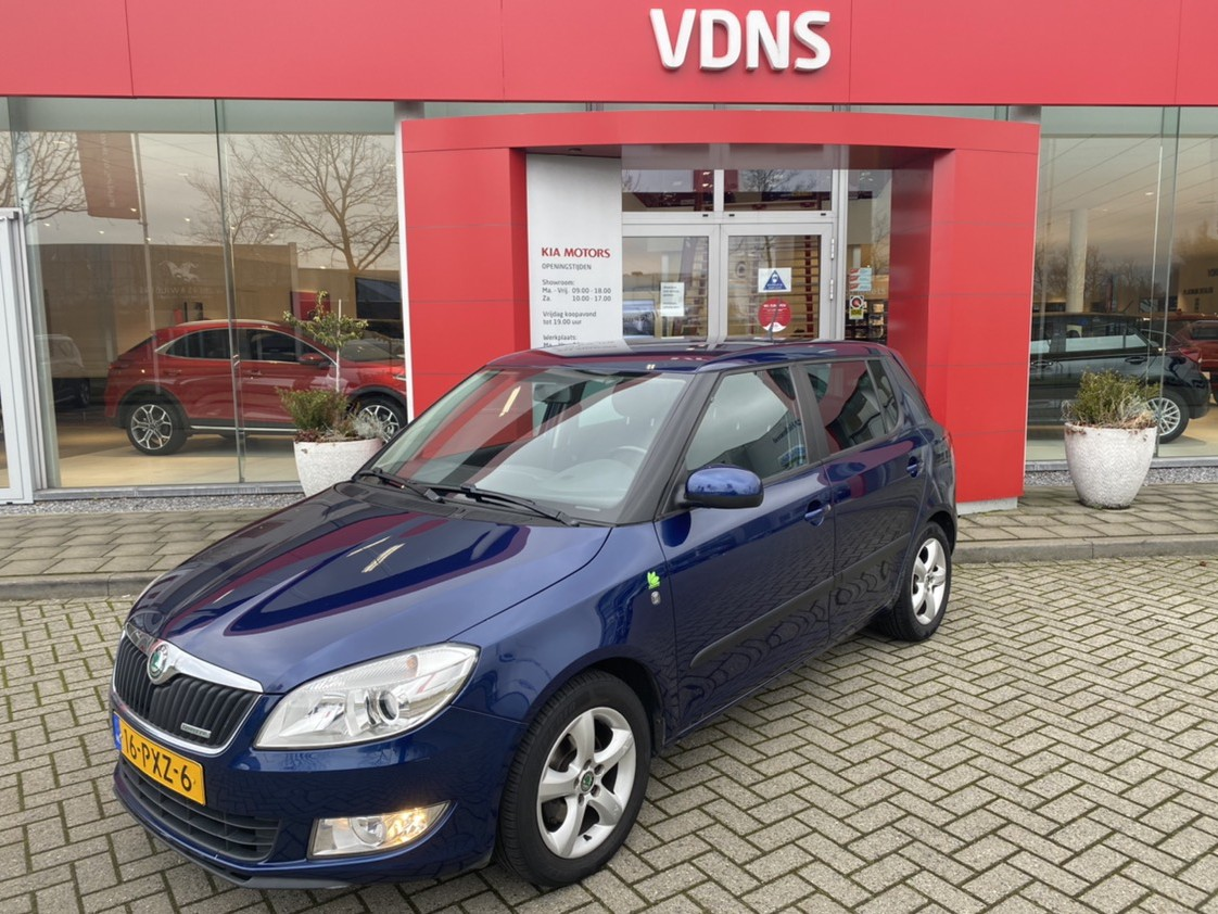 Škoda Fabia 1.2 tdi greenline , 138.000km . 1e eigenaar online geopend 7 dagen pw van 09:00 tot 21:00 info roel@vdns-kia.nl 0492-588951 € 4.445,=